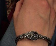 Красивый браслет ручной работы