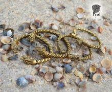 Золотые браслеты Волки