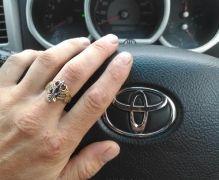 Золотое кольцо в виде птицы