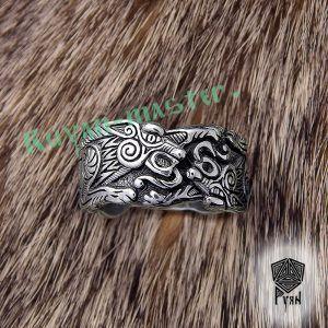 Серебряное кольцо «Волки Одина»