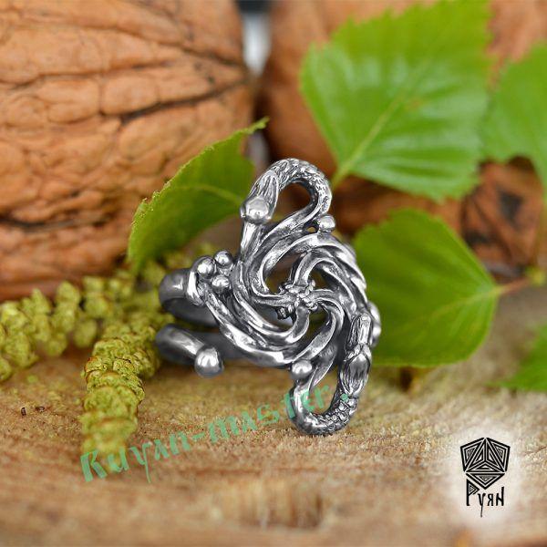 Кольцо зооморфное свастичное с головой грифа и дракона фото 1