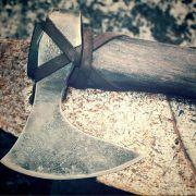 Кованый топор Рагнара фото 1