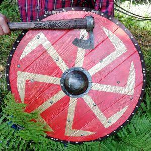 Боевой щит с Коловратом из массива дерева