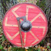 Боевой щит с Коловратом из массива дерева фото 4